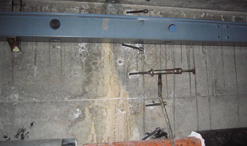 sigillatura-infiltrazioni-acqua-serbatoi-depuratori-02-mosole-soluzioni-edili