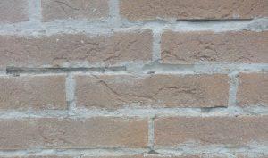 umidita-di-risalita-e-salso-pietre-faccia-vista-01-mosole-soluzioni-edili