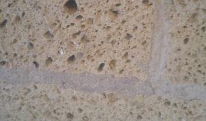 umidita-di-risalita-e-salso-tufo-01-mosole-soluzioni-edili