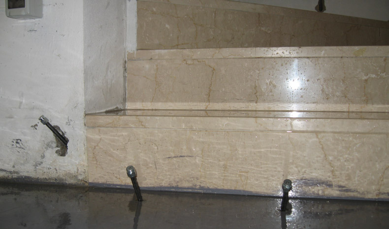 sigillatura.infiltrazioni.acqua.scale.sotterranee.03.mosole.soluzioni.edili