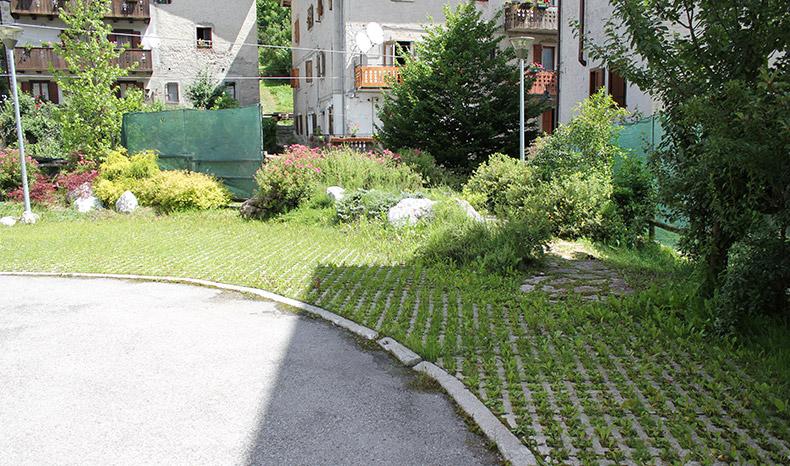 Dacqua in giardino pensile a forni di sopra with soluzioni for Soluzioni alternative al giardino